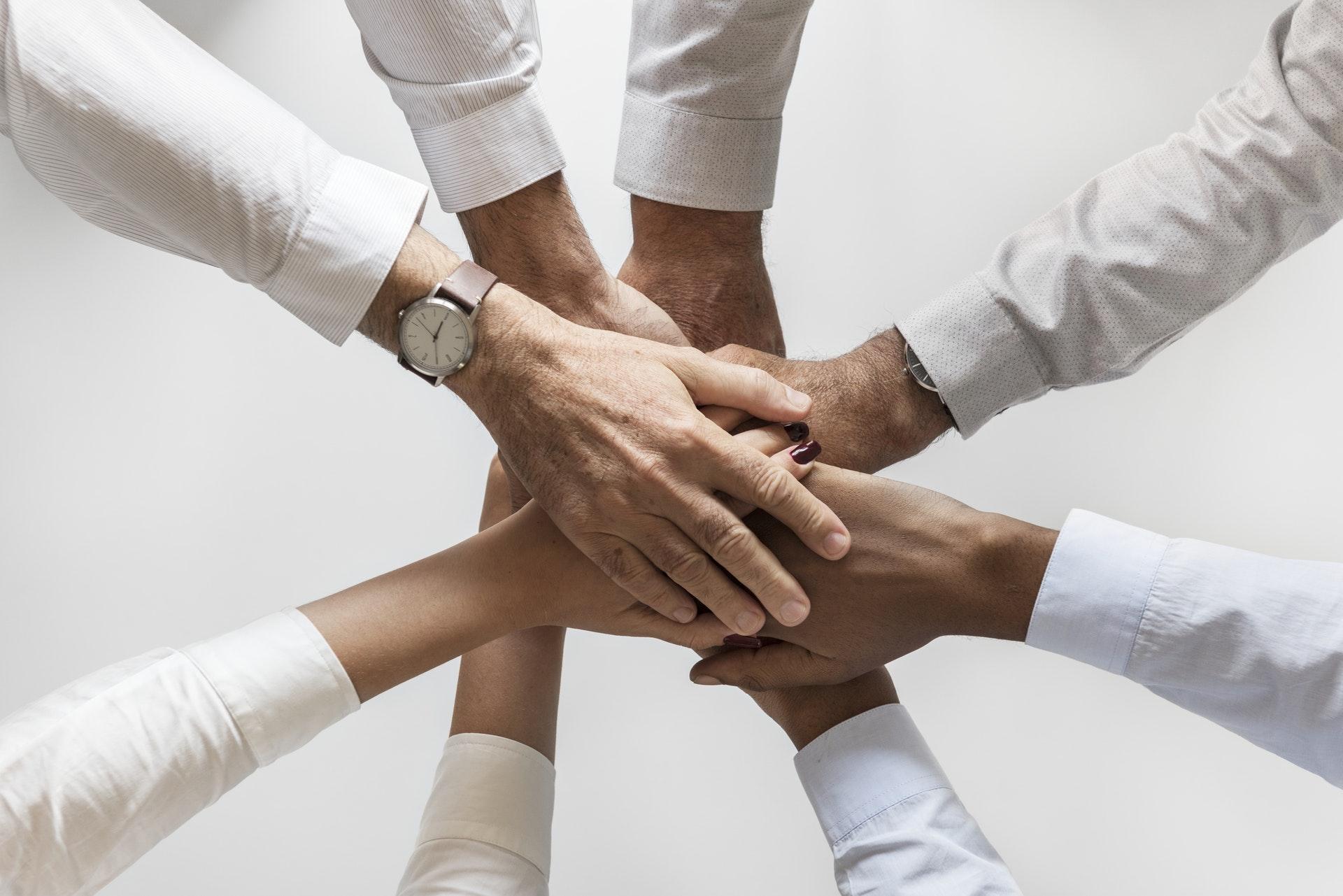 La responsabilità del professionista assistente sociale tra il diritto e il codice deontologico